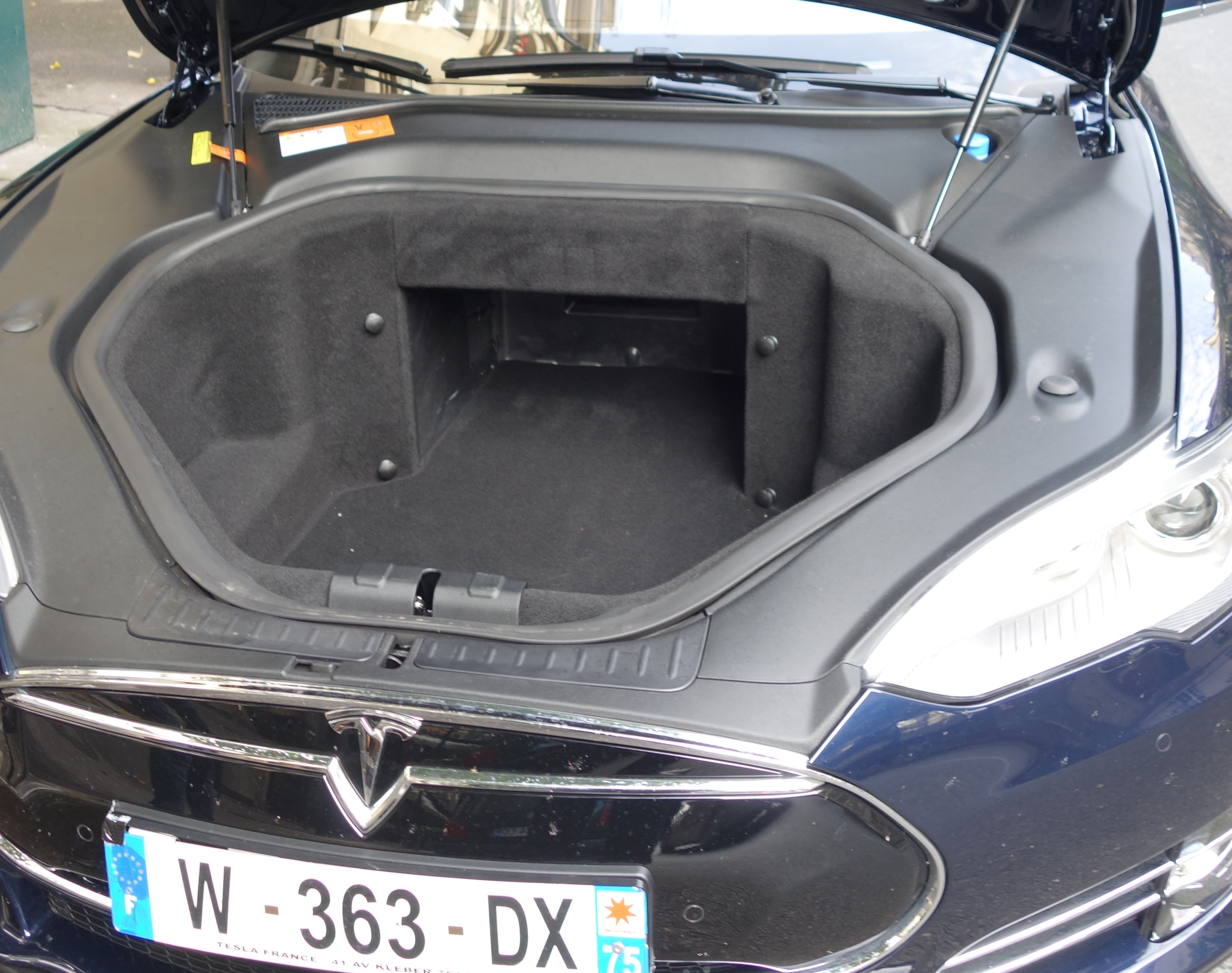 tesla s test drive portail des progr s disruptifs. Black Bedroom Furniture Sets. Home Design Ideas